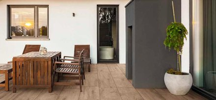Outdoor pavings by Ragno: concrete, stone and wood effects