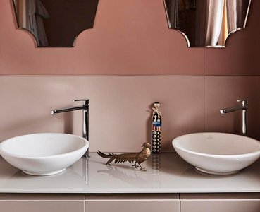 Designing a small bathroom: tricks for making it look bigger