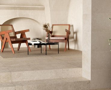 Eterna, the antique beauty of stone-effect stoneware, enhanced by modern technology