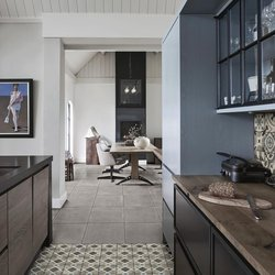 Mix and match kitchen with Ottocento and Patina