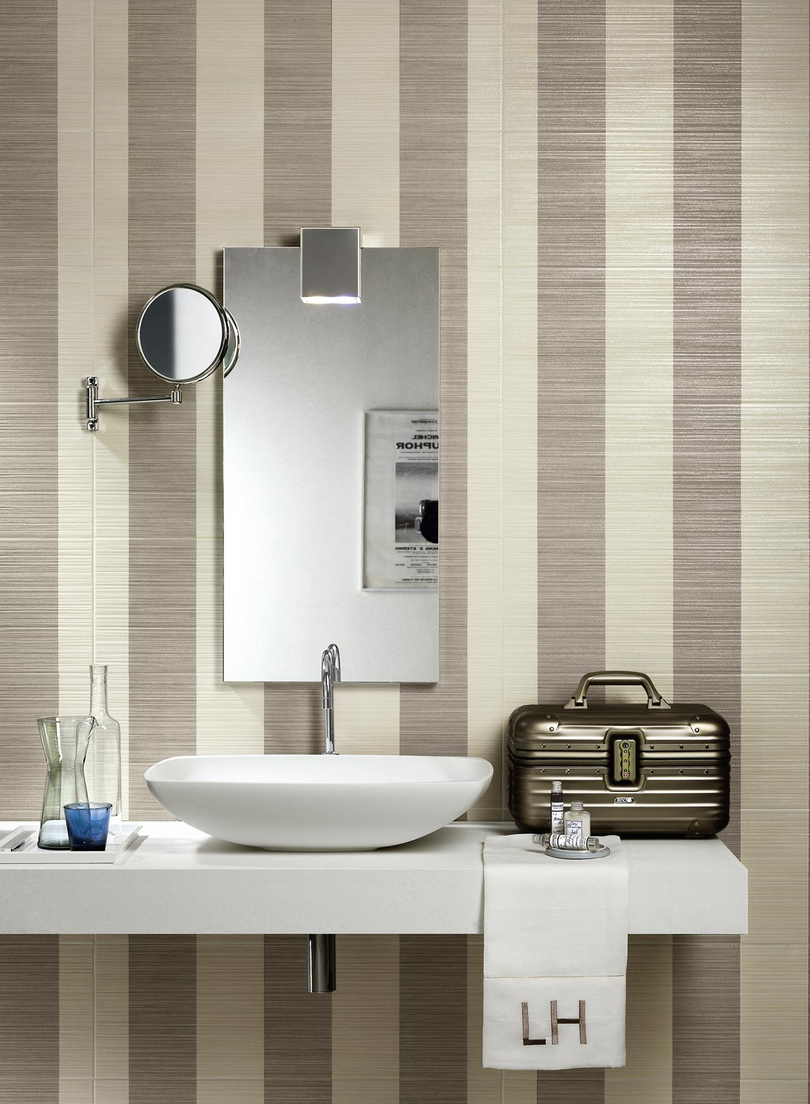 Wallpaper Collection: elegatìnt tiles for walls and bathrooms | Ragno