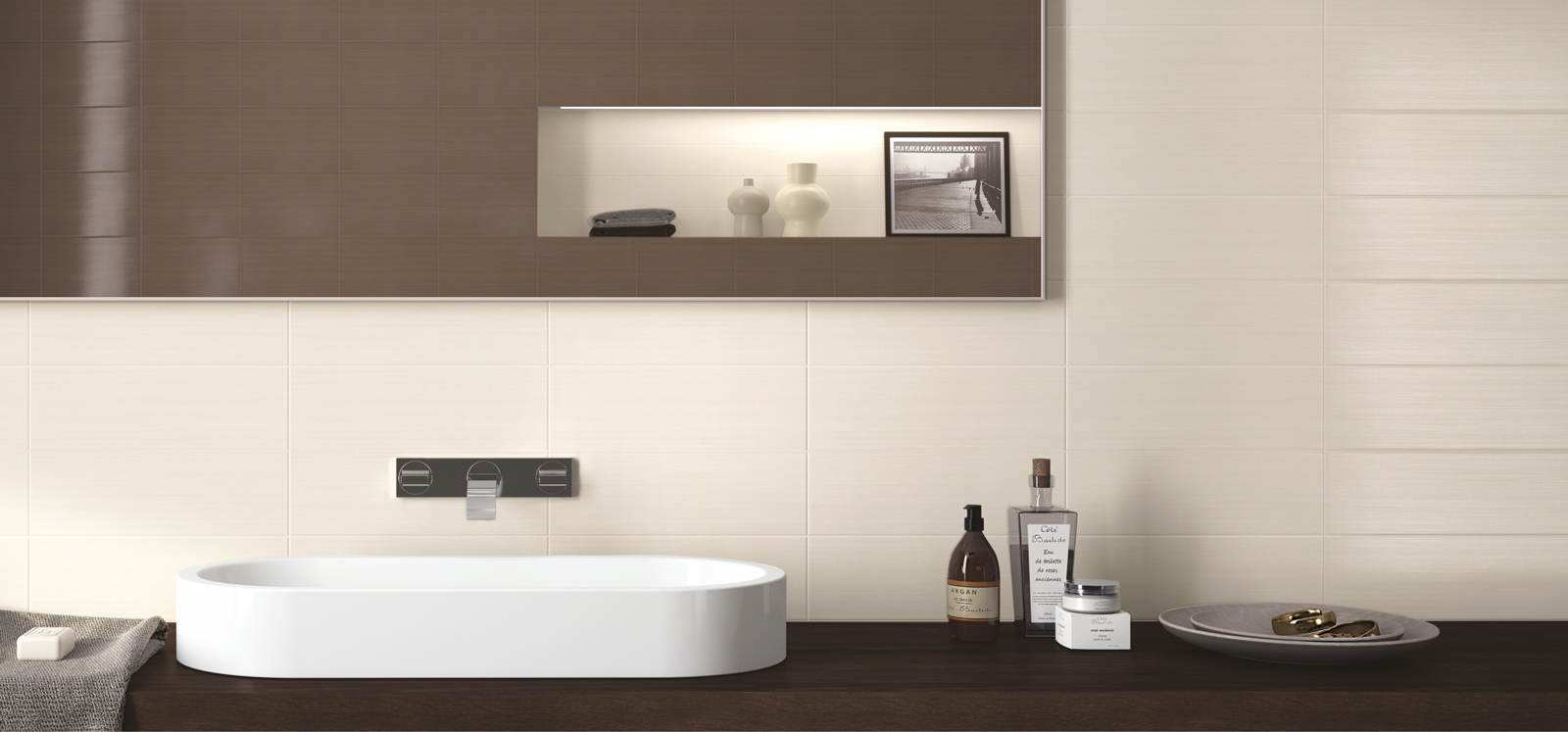 Line Collection: White-body bathroom wall tiles | Ragno